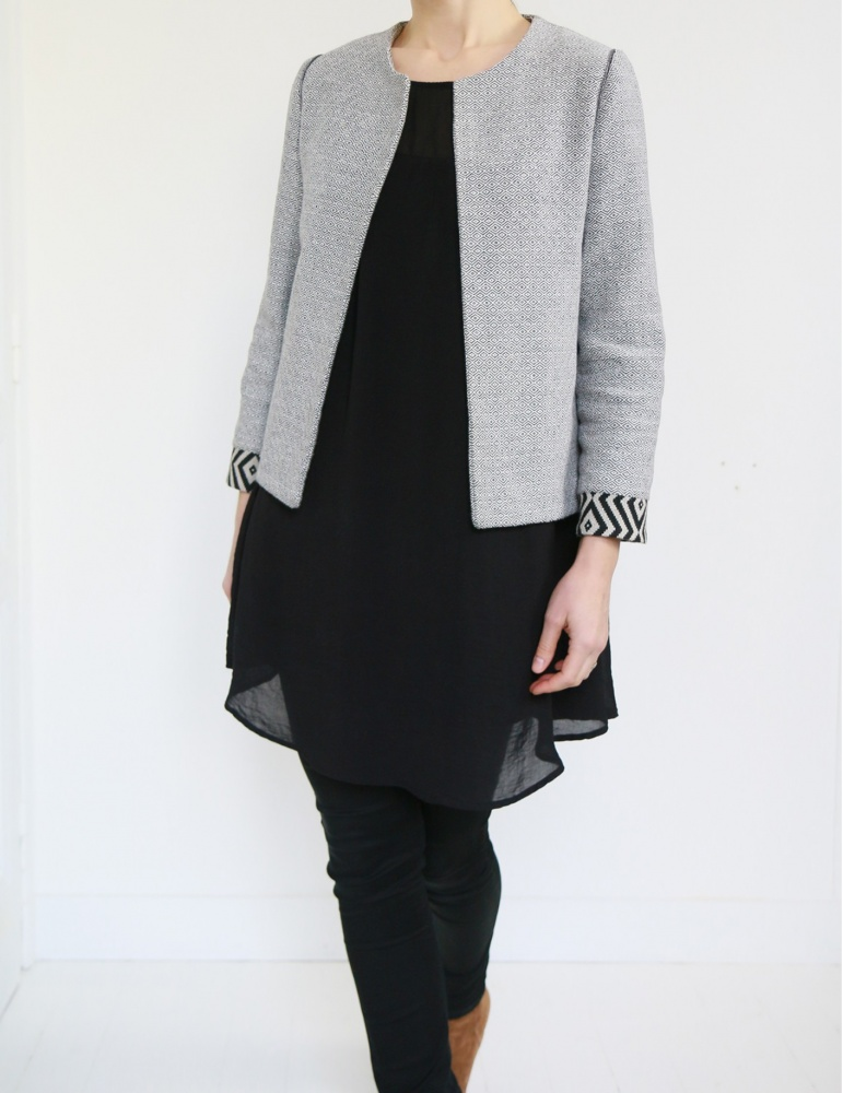 Claudie jacket in black and white thick cotton, with no collar, frond view american shot