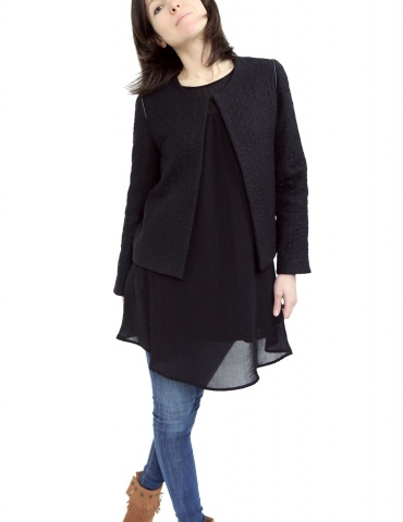 Claudie jacket in black woolen double gauze, with no collar, front view