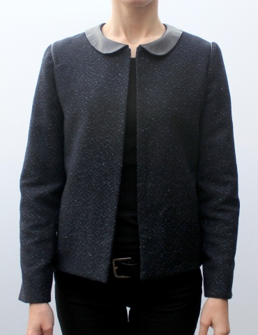 Claudie jacket in natte fabric in shades of blue, with a brown leather Peter Pan collar, front view